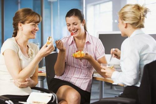 7 mẹo giảm cân cực hay cho gái công sở