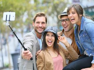 selfie-shutterstock_vcon