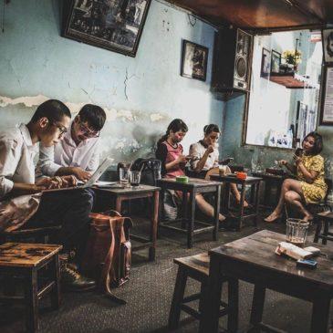 Đinh Cafe - Tầng 2, 13 Đinh Tiên Hoàng